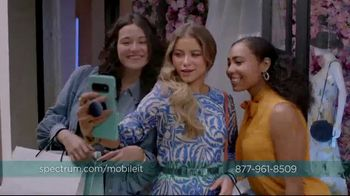 Spectrum Mobile TV Spot, 'Spectrum Mobile It' Featuring Sofia Reyes, Thomas Augusto