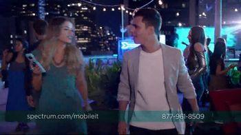 Spectrum Mobile TV Spot, 'Spectrum Mobile It' Featuring Sofia Reyes, Thomas Augusto - Thumbnail 8