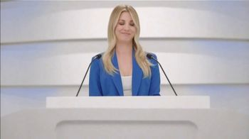 Priceline.com TV Spot, 'Family Beach Trips' Featuring Kaley Cuoco - Thumbnail 9