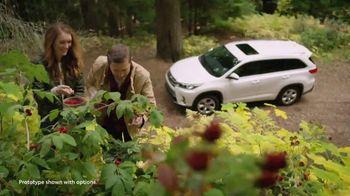 2019 Toyota Highlander TV Spot, 'Pick Your Adventure: The List' [T2] - Thumbnail 2