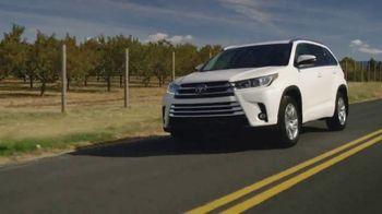2019 Toyota Highlander TV Spot, 'Pick Your Adventure: The List' [T2] - Thumbnail 3
