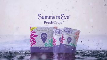 Summer's Eve FreshCycle Cleansing Cloths TV Spot, 'Redefine' - Thumbnail 6