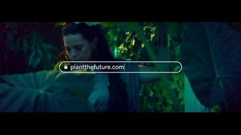 GoDaddy TV Spot, 'Paloma Teppa trabaja para crear el mundo que ella quiere' [Spanish] - Thumbnail 1