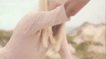 Swarovski Mother's Day Collection TV Spot, 'Beach' - Thumbnail 6