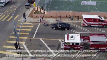 Los Defensores TV Spot, 'Camilla de rescate' con Jaime y Jorge Jarrín [Spanish] - Thumbnail 2