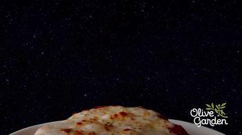 Olive Garden Giant Italian Classics TV Spot, 'For Mankind' - Thumbnail 3