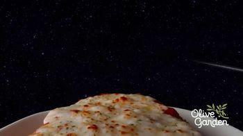 Olive Garden Giant Italian Classics TV Spot, 'For Mankind' - Thumbnail 4