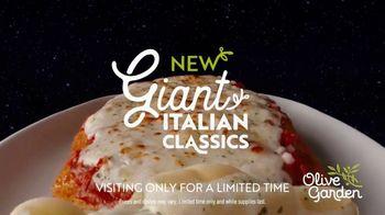 Olive Garden Giant Italian Classics TV Spot, 'For Mankind' - Thumbnail 9