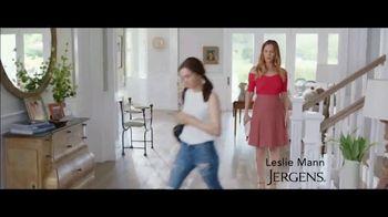 Jergens Deep Restoring Argan Moisturizer TV Spot, 'Old Man Elbows' Featuring Leslie Mann, Maude Apatow - Thumbnail 1