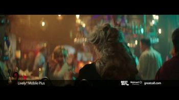 GreatCall Lively Mobile Plus TV Spot, 'Thursday Night Dancing' Featuring John Walsh - Thumbnail 3