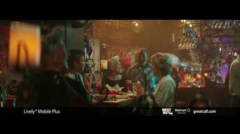 GreatCall Lively Mobile Plus TV Spot, 'Thursday Night Dancing' Featuring John Walsh - Thumbnail 5