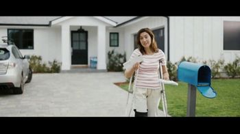 Aflac TV Spot, 'Aflac Isn't: Slimy Summer' - Thumbnail 8