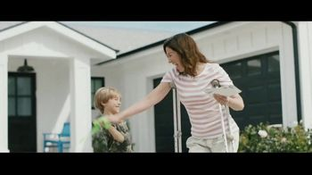 Aflac TV Spot, 'Aflac Isn't: Slimy Summer' - Thumbnail 9