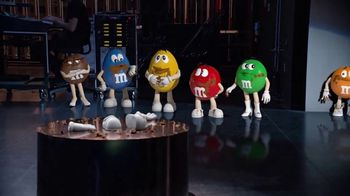 M&M's Hazelnut Spread TV Spot, 'New Spokescandy' - Thumbnail 10