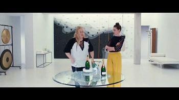 The Hustle - Alternate Trailer 18