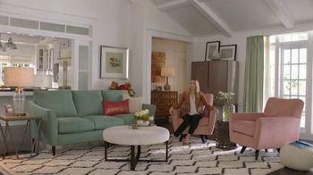 La-Z-Boy TV Spot, 'Subtitles' Featuring Kristen Bell - Thumbnail 3