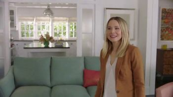 La-Z-Boy TV Spot, 'Subtitles' Featuring Kristen Bell - Thumbnail 6