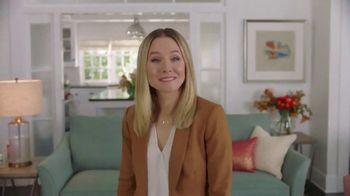 La-Z-Boy TV Spot, 'Subtitles' Featuring Kristen Bell - Thumbnail 7