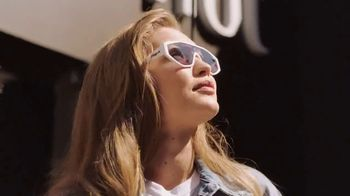 Sunglass Hut TV Spot, 'Sunglass to Fit Your Life' Featuring Gigi Hadid - Thumbnail 8