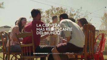 Coors Light TV Spot, 'Backyard Ice Hole' [Spanish] - Thumbnail 10