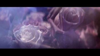Lancôme La Vie Est Belle En Rose TV Spot, 'Expression: Free Gift' Featuring Julia Roberts - Thumbnail 6