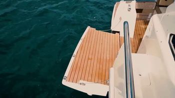 Schaefer Yachts 510 TV Spot, 'Sportiness and Elegance' - Thumbnail 7