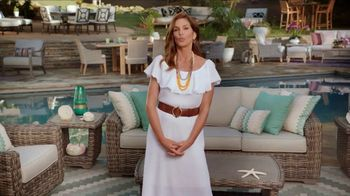 Rooms to Go Outdoor TV Spot, 'Exciting News' Featuring Cindy Crawford - Thumbnail 1