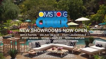 Rooms to Go Outdoor TV Spot, 'Exciting News' Featuring Cindy Crawford - Thumbnail 10