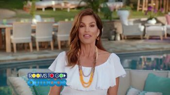 Rooms to Go Outdoor TV Spot, 'Exciting News' Featuring Cindy Crawford - Thumbnail 3