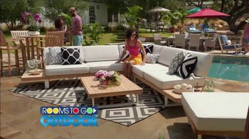 Rooms to Go Outdoor TV Spot, 'Exciting News' Featuring Cindy Crawford - Thumbnail 6