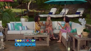 Rooms to Go Outdoor TV Spot, 'Exciting News' Featuring Cindy Crawford - Thumbnail 7