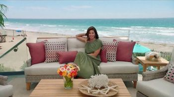 Rooms to Go Outdoor TV Spot, 'Exciting News' Featuring Cindy Crawford - Thumbnail 9