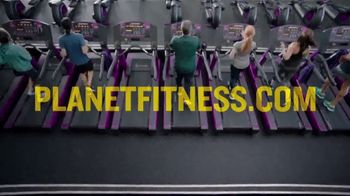 Planet Fitness PF Black Card TV Spot, 'Bring a Workout Buddy' - Thumbnail 8