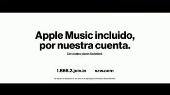 Verizon TV Spot, 'Family Sunday: Apple Music incluido' con Luis Gerardo Méndez [Spanish] - Thumbnail 8
