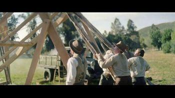 Jim Beam TV Spot, 'Raised Right: Celebration' - Thumbnail 6