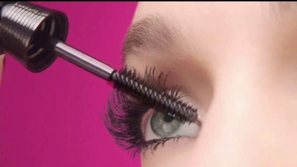 2d3d81abf53 L'Oreal Paris Unlimited Mascara TV Commercial, 'Estira, dobla y levanta' -  iSpot.tv