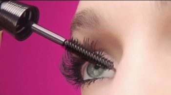 L'Oreal Paris Unlimited Mascara TV Spot, 'Estira, dobla y levanta' [Spanish] - Thumbnail 7
