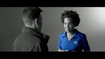Best Buy TV Spot, 'Hosting the Big Game' - Thumbnail 8