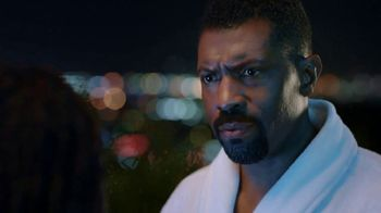 Old Spice Body Wash TV Spot, 'Running on Empty' Featuring Deon Cole - Thumbnail 10