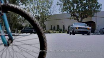 Los Defensores TV Spot, 'Si te atropellaron andando en bicicleta' con Jorge Jarrín [Spanish] - Thumbnail 1