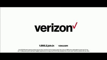 Verizon TV Spot, 'Chosen By Experts: BOGO' Featuring Thomas Middleditch - Thumbnail 10