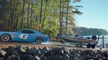 General Tire TV Spot, '9 O'Clock Somewhere' Featuring Richard Petty - Thumbnail 5