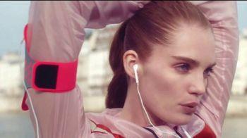 L'Oreal Paris Infallible Fresh Wear Foundation TV Spot, 'No te pesará' canción de Queen [Spanish] - 983 commercial airings