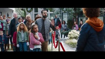 Fios by Verizon Internet TV Spot, 'Santa's Helper: $50 Amazon Gift Card' Featuring Gaten Matarazzo - Thumbnail 4