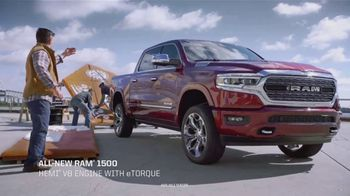 Ram Trucks 2018 Big Finish TV Spot, 'Gingerbuilders' Song by Gwen Stefani [T2] - Thumbnail 5