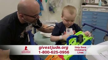 St. Jude Children's Research Hospital TV Spot, 'Home for the Holidays: Donate' - Thumbnail 4