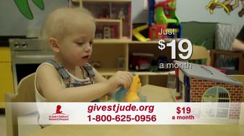 St. Jude Children's Research Hospital TV Spot, 'Home for the Holidays: Donate' - Thumbnail 9