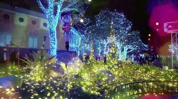Six Flags Holiday in the Park TV Spot, 'Spectacular Lights' - Thumbnail 3