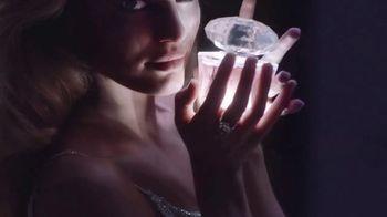 Versace Bright Crystal TV Spot, 'Brilla' con Candice Swanepoel [Spanish] - Thumbnail 5