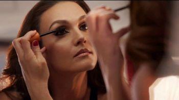 CoverGirl LashBlast Volume Mascara TV Spot, 'Mundo de hombres' con Shelina Moreda, canción de Peaches [Spanish] - Thumbnail 3